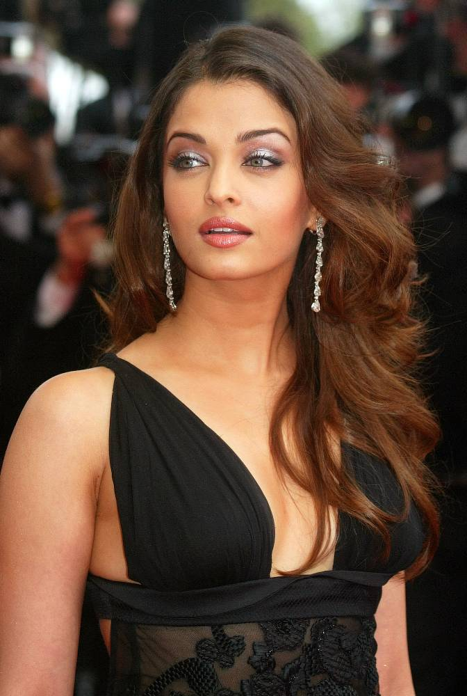 http://bagish.files.wordpress.com/2009/08/aishwarya-rai.jpg